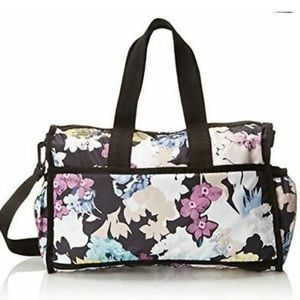 VGUC LeSportsac Travel Floral Diaper Bag 😍